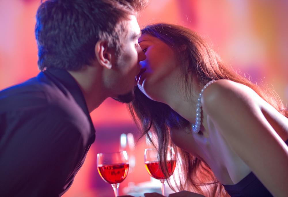Sex na jednu noc často začíná v baru